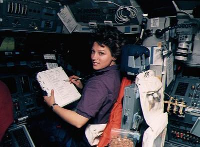 Eileen Collins – USA